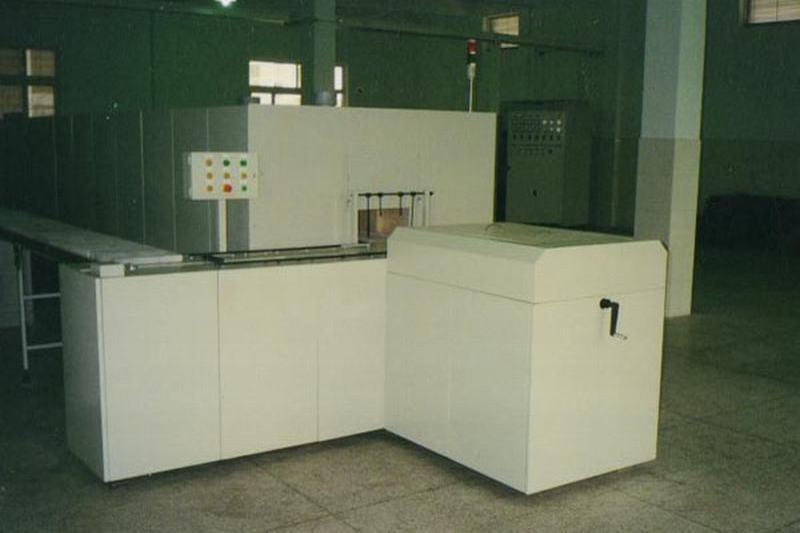 Cobalt acid lithium, manganese acid lithium, ternary material double push board calcined furnace